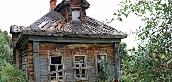 Abandoned house 702x336