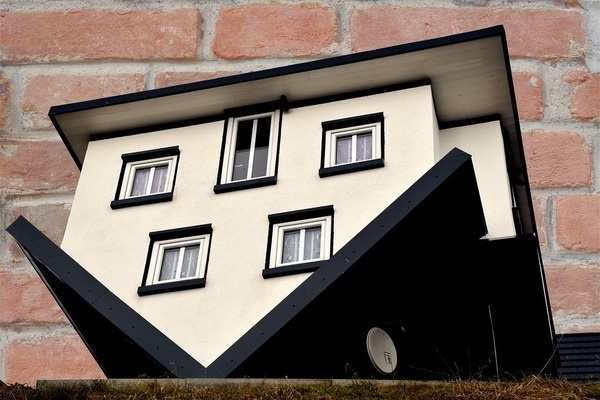 Normal 1526735476 Upside Down House