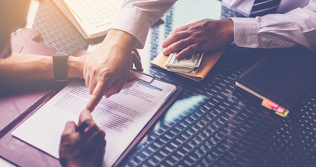 Banker recommend customer for signing loan contract