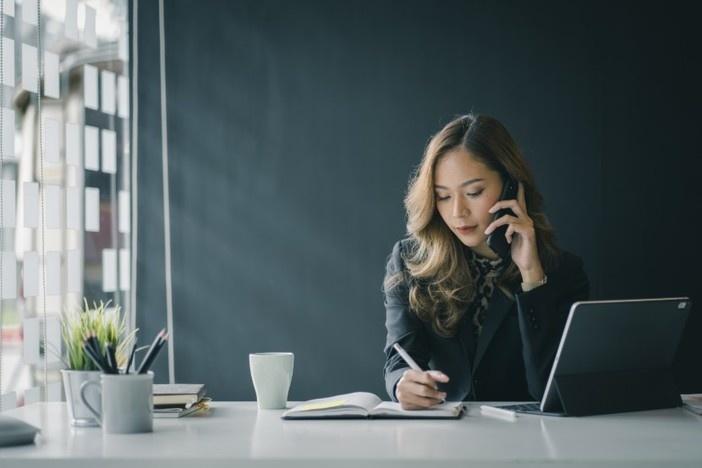 successful-woman-investor