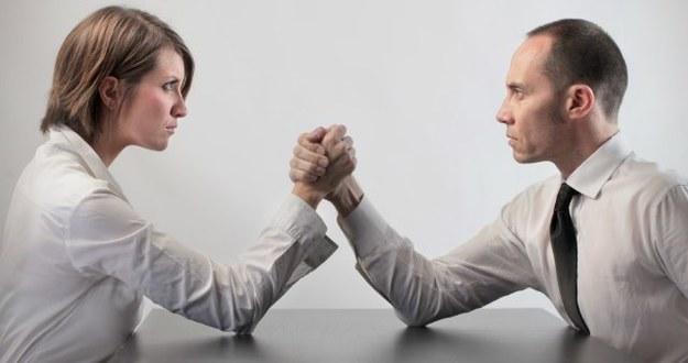 Lead leverage vs pay cash